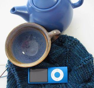 Blueteapotipodcupandknitting