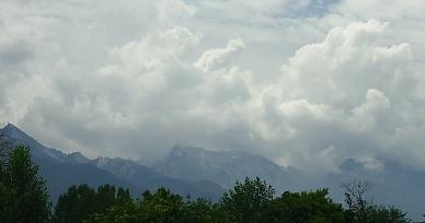 Cloudsonmountainpeaks