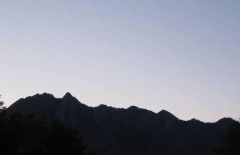 Earlymorninglightovermountain_2