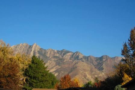 Mountainsonafalloctoberday