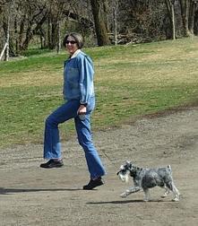Agrrlandherdogskipthroughthepark_4